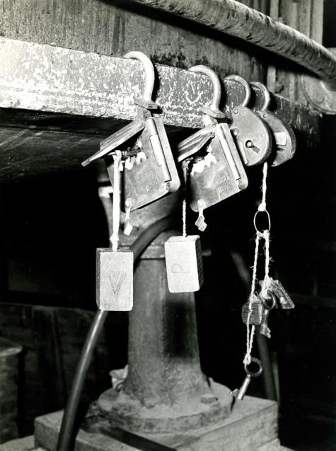 Sloten accijnzen, stokerij Van Damme, Balegem, ca. 1978