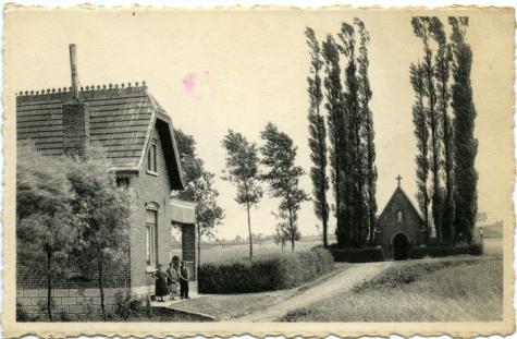 Sint-Livinuskapel en een woonhuis, Sint-Lievens-Houtem