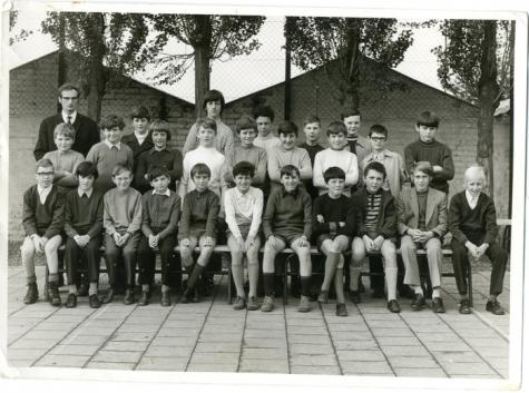 Klasfoto van het eerste middelbaar in het Paus Johannescollege, Merelbeke, 1971-1972