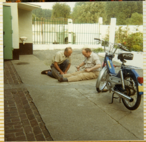 Herstellingen op de oprit, Letterhoutem, 1980-1990