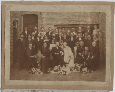 Huwelijksfoto De Moor, Letterhoutem, 1924