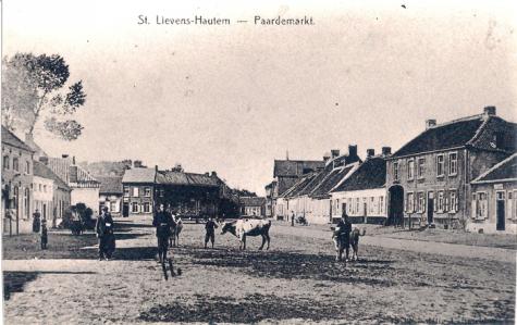 """De Plaetse van Boven"", Marktplein, Sint-Lievens-Houtem, 1909"
