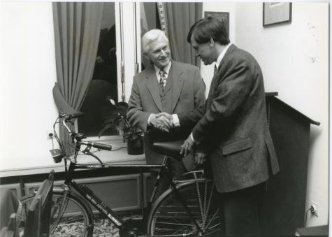 Pensioen Lucien De Meyer op gemeentebestuur, Oosterzele, 1995