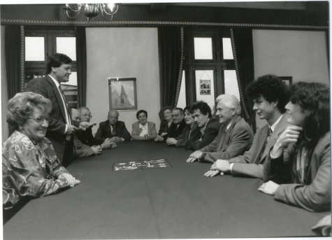 Pensioen Lucien De Meyer, met het schepencollege Oosterzele, 1995