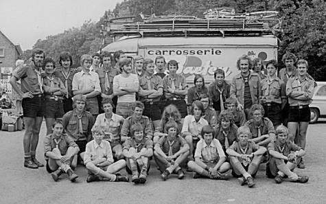 Groepsfoto chiro Melle, Lourdes, 1975