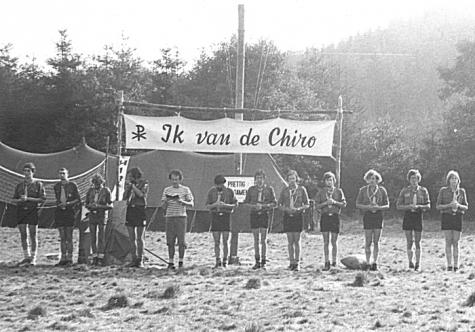 Leiding chiro Melle op kamp, Manderfeld, 1973