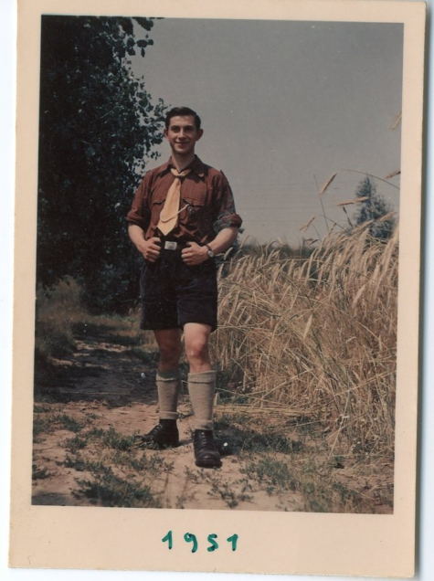 André Poppe in chiro-uniform, Moulbaix, 1951