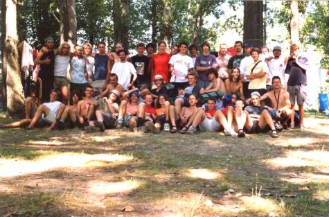 Groepsfoto op kamp in Slovakije, 2003.