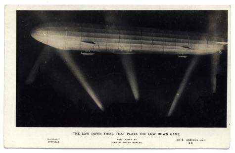 Het laag vliegend ding dat een laaghartig spel speelt, 1916