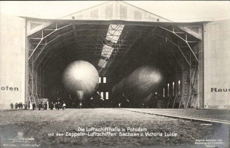 Dubbele zeppelinloods in Potsdam