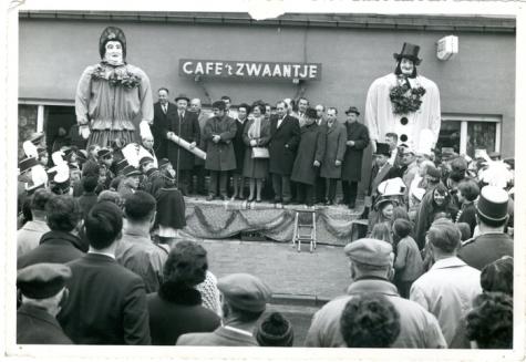 Doop van de reuzen Bacchus en Bacchante, Sint-Lievens-Houtem, 1969