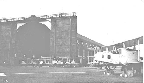 De hal op het vliegveld van Gontrode, 1917