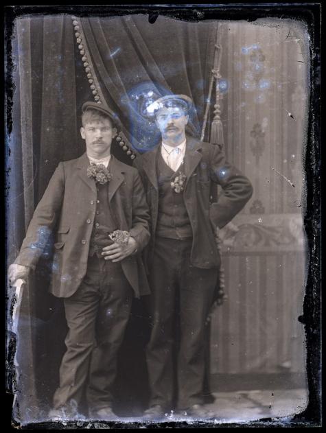 Staand portret, 2 jonge mannen, Melle, 1910-1920