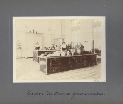 Keuken 'dames pensionnaires', Caritasinstituut, Melle, 1910-1915