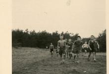 Chiro Melle op kamp, bosspel, omgeving Genk, 1957