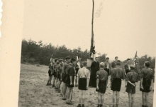 Chiro Melle, vlaggegroet, omgeving Genk, 1957