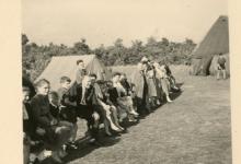 Chiro Melle op kamp, omgeving Genk, bezoekdag, 1957