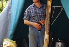 Ludwig De Poorter aan de keukentent, Maboge, 2001
