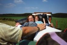Op de boerenkar naar het kampterrein, Our, 1995