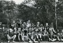 Groepsfoto rakkers op kamp, Olloy-sur-Viroin, 1972