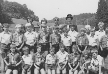 Groepsfoto rakkers chiro Melle, Guirsch, 1975