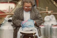 Kookmoeder Bertje op chirokamp, Brisy, 1977