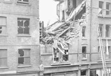 Schade aan huizen door zeppelinbombardementen, 1915