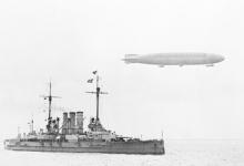 Zeppelin boven stoomboot, 1915