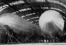 Loods voor twee zeppelins, 1915