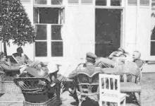 De vliegeniers-officiers van KAGOHL 3 op het kasteel Pycke, Melle, 1917