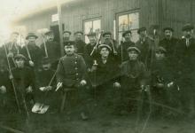 Opgeëiste burgers leggen het vliegveld van Gontrode aan, 1915