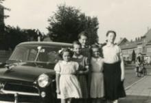 Familie Mabilde op vakantie bij de familie Strobbe, Gentbrugge, 1953