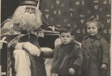 Met Sinterklaas op de foto