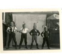 Verklede leerlingen op het schoolfeest, Ankerschool, Oosterzele