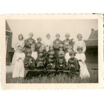 Groepsfoto leerlingen 1e tot 4e leerjaar, Ankerschool, Oosterzele