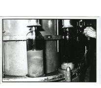 Flessenvulmachine, stokerij Van Damme, Balegem, ca. 1970