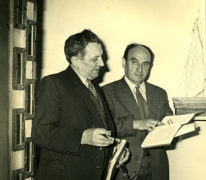 Controle door dienst accijnzen, stokerij Van Damme, Balegem, ca.1980