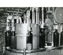 Flessenvulmachine, stokerij Van Damme, Balegem, 1978
