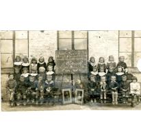 Klasfoto leerlingen basisschool 't Klooster, Oosterzele