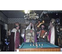 Koningen in café Drie Koningen, Merelbeke
