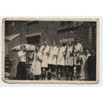 Groep kinderen met poppen, Merelbeke