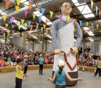 Dansje voor reus Mondje Wollaert, Merelbeke, 2013