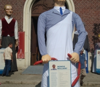 Mondje Wollaert en zijn reuzenpaspoort, Merelbeke, 2013