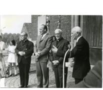 Inhuldiging pastoor Neels op Munteplein, Munte, 1971