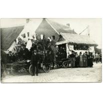 Mensen met Belgische vlaggen, viering 100 jaar België, Munte, 1930