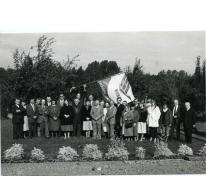 Groepsfoto van de KLJ, KVLV en Landelijke Gilde van Munte