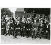 Inhuldiging priester Neels aan gemeentehuis, Munte, 1971