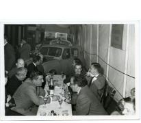 Handelsbeurs. Bestuur aan de feesttafel, 1969.