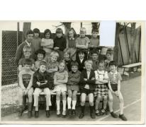 Klasfoto van het 2de leerjaar bij meester Van Gotha in het Paus Johannescollege, Merelbeke, 1972-1973