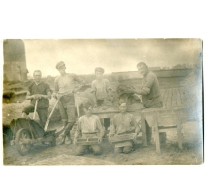 De familie Westelinck aan het werk in een steenbakkerij, Evere, 1924